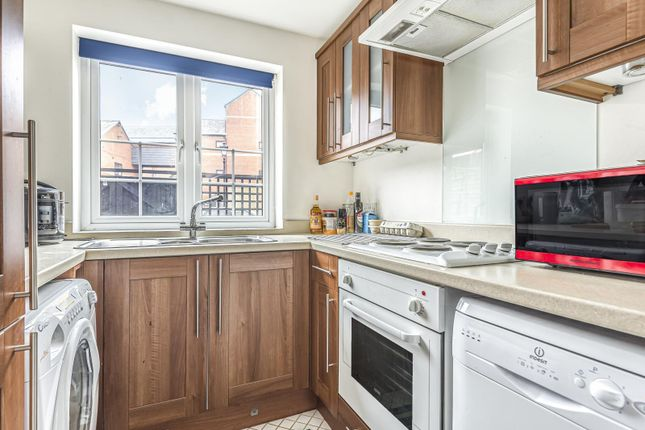 Kitchen of Swan Place, Reading RG1