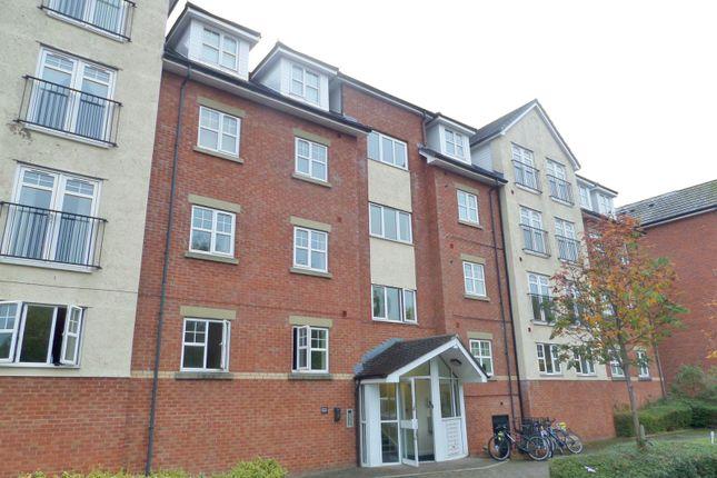 2 bed flat to rent in Egremont Court, Wilderspool Causeway, Warrington