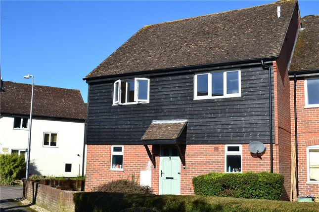 2 bed flat to rent in Crawford Place, Newbury RG14