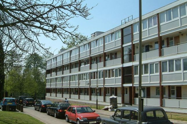 Thumbnail Flat to rent in Ibsley Gardens, London
