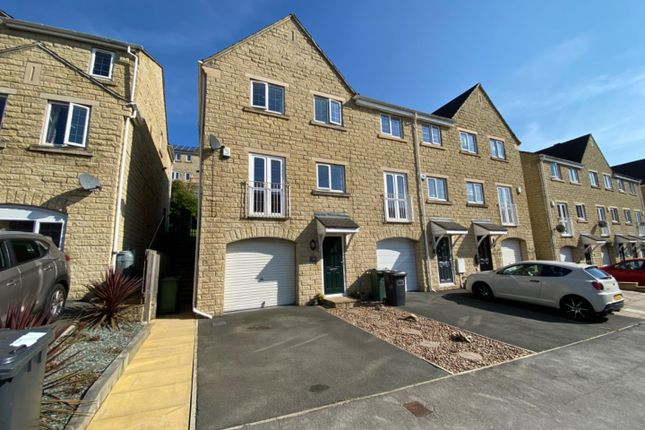 3 bed town house for sale in Prospect Road, Longwood, Huddersfield HD3