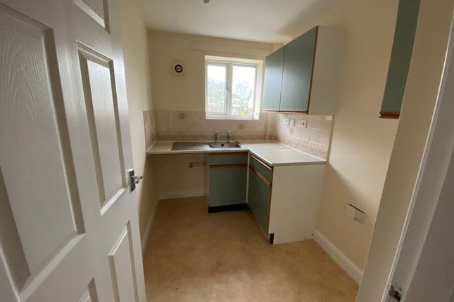 Thumbnail Flat to rent in Baden Powell Road, Chesterfield