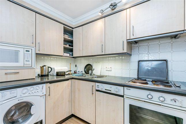 Kitchen of Harding House, 24 Gloucester Street, London SW1V
