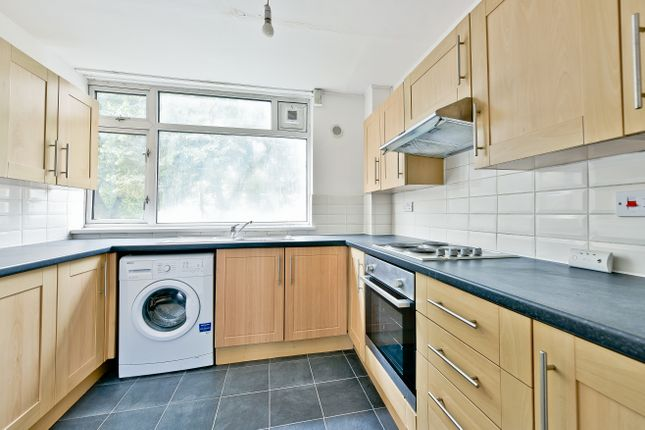 5 bed maisonette to rent in Whitebeam Close, Clapham Road, Oval SW9