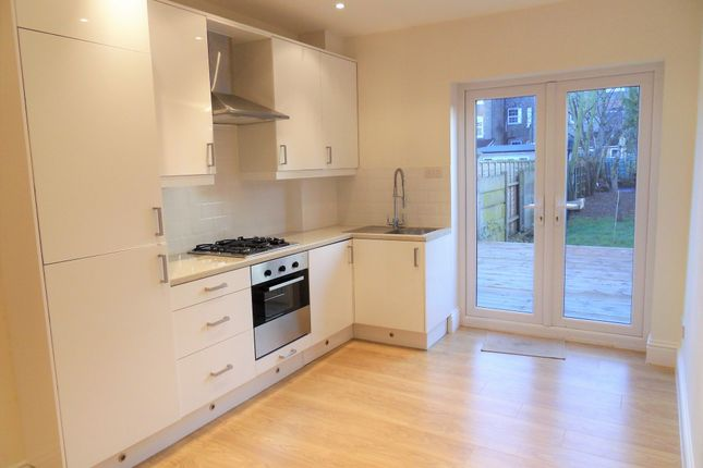 Thumbnail Flat to rent in Spencer Avenue, Palmers Green