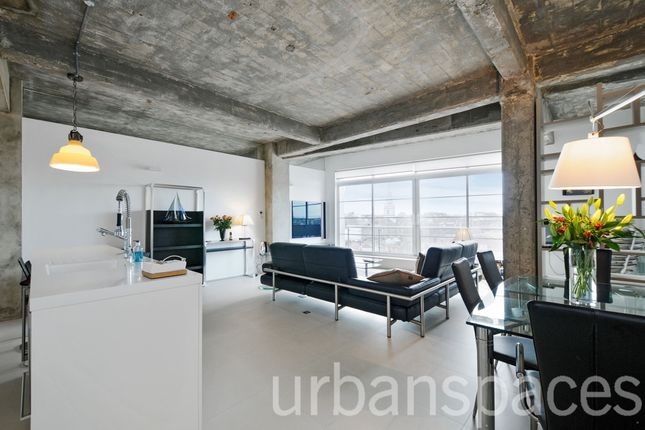 Thumbnail Flat to rent in Paramount Building, Clerkenwell