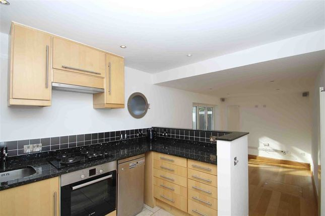 Thumbnail Property to rent in Thames Place, London