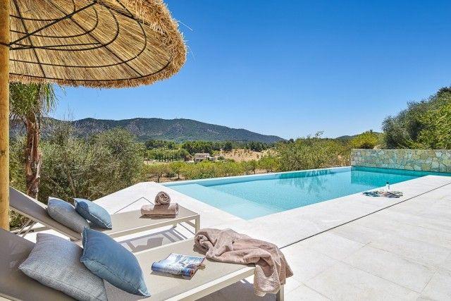 Pool+Sun Lounger of Spain, Mallorca, Calvià