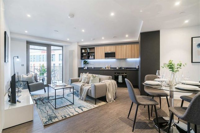 Thumbnail Flat for sale in Royal Docks West, Excel, London