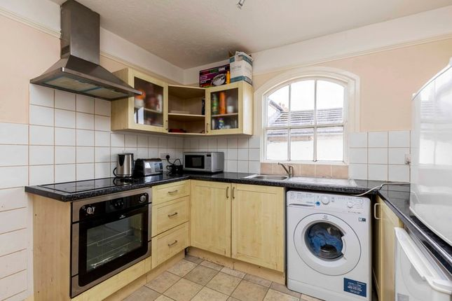 Thumbnail Flat for sale in Havelock Close, Felpham, West Sussex