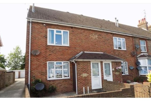Thumbnail Flat to rent in South Road, Hailsham