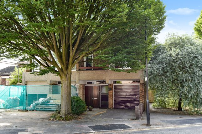 Thumbnail Flat for sale in Deena Close, Queens Drive, London