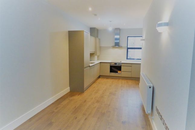 Thumbnail Flat for sale in Park Road, Gloucester