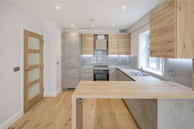 2 bed flat for sale in Crown Road, New Malden KT3