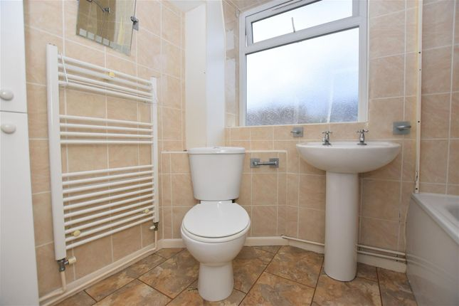 Family Bathroom of Milton Drive, Worksop S81