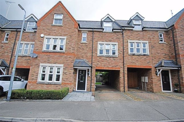 Thumbnail Town house for sale in Badgers Brook, Leighton Buzzard
