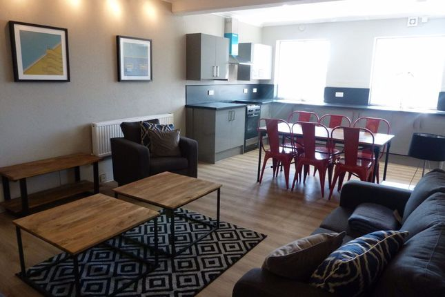 5 bed flat to rent in 5 Bed Flat, High Street, Cardiff CF10