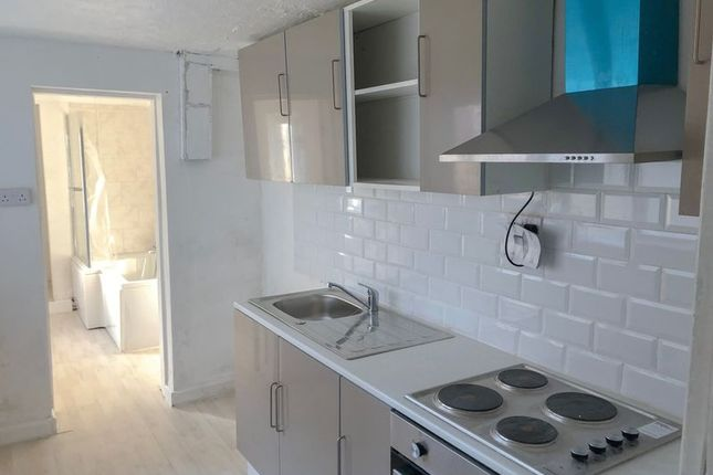 Kitchen of Gurnell Street, Scunthorpe DN15