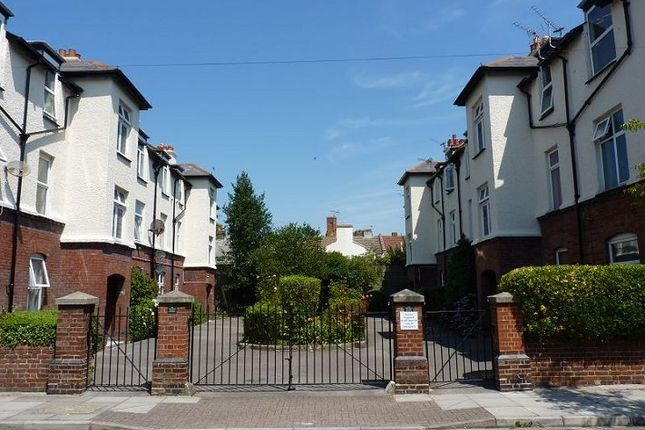 Thumbnail Flat to rent in Moulin Avenue, Southsea, Hants