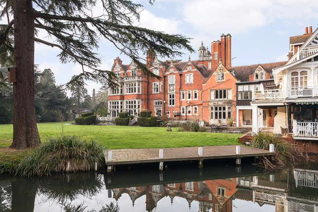 Thumbnail Flat to rent in Islet Park House, Islet Road, Maidenhead