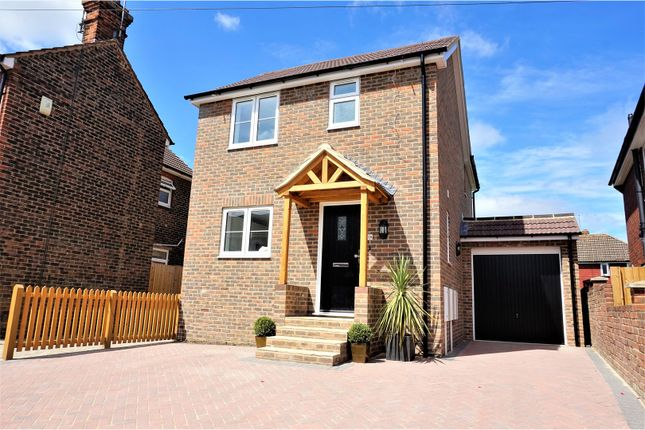 Thumbnail Detached house for sale in Mount Pleasant, Paddock Wood, Tonbridge