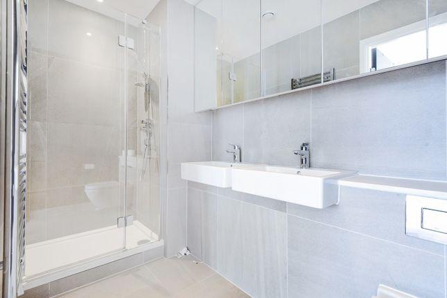 Bathroom of Roper, Reminder Lane, Parkside, Greenwich Peninsula SE10