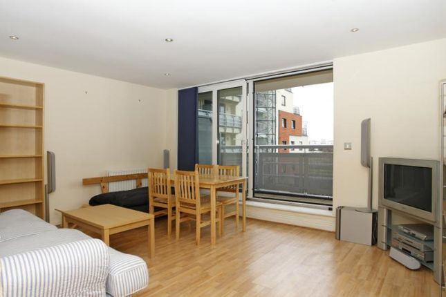 Thumbnail Flat to rent in Wards Wharf Approach, Royal Docks, London
