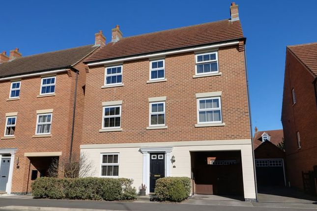 Thumbnail Detached house for sale in Harewood Crest, Brough