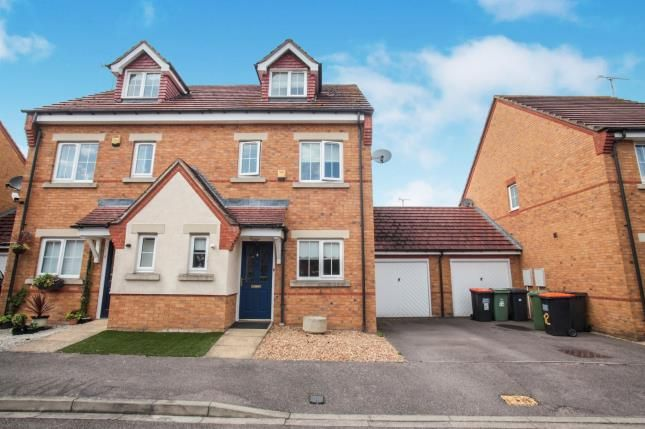 Thumbnail Semi-detached house for sale in Brook Close, Dunstable, Bedfordshire, England