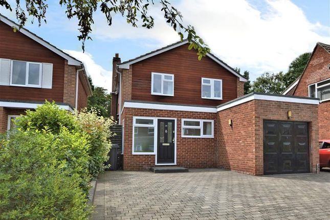 4 bed detached house for sale in Pine Ridge Road, Burghfield Common, Reading