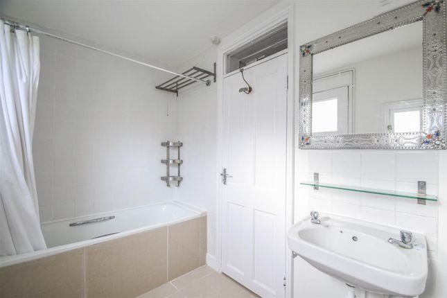 Bathroom of Mildmay Grove South, London N1