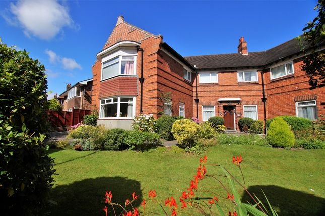 Thumbnail Flat for sale in Ryndleside, Scarborough