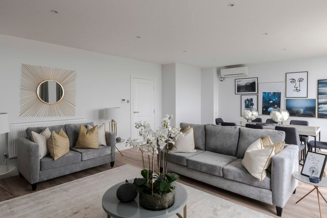 Thumbnail Duplex to rent in Cromwell Road, London