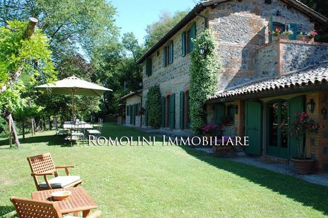 4 bed country house for sale in Orvieto, Umbria, Italy