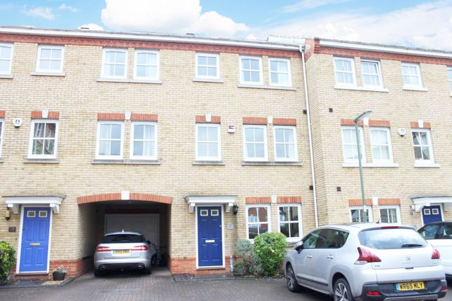 Thumbnail Property to rent in Florence Way, Knaphill, Woking