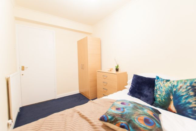 Room to rent in Edgware Road, Paddington, Central London
