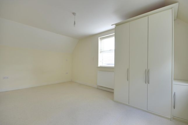 Thumbnail Semi-detached house to rent in Lidgould Grove, Ruislip