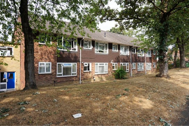 Thumbnail Maisonette for sale in Scotts Court, Farnborough