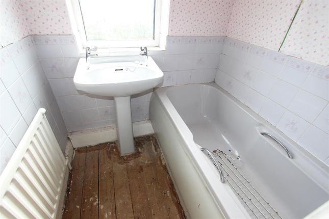 Bathroom of North Road, Darlington DL1