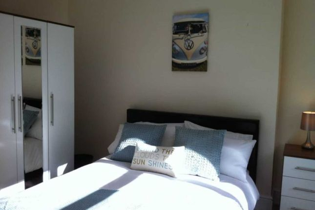 Thumbnail Shared accommodation to rent in Ysgol Street, Port Tennant, Swansea