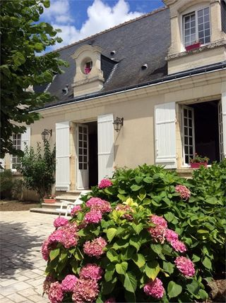 5 bed property for sale in Centre, Indre-Et-Loire, Tours