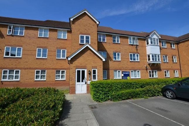 Thumbnail Flat to rent in Aspen Grove, Aldershot
