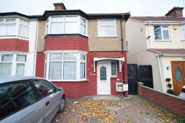 5 bed semi-detached house to rent in Dorchester Way, Hayes