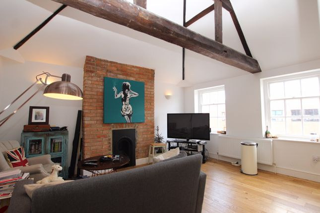 Thumbnail Flat to rent in Castle Street, Reading