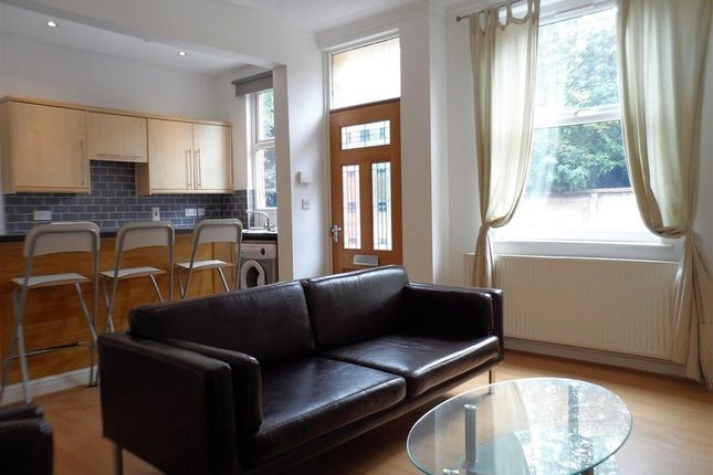 Thumbnail Property to rent in Salisbury Grove, Armley, Leeds