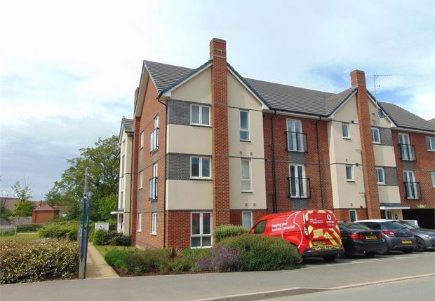 1 bed flat for sale in Fullbrook Avenue, Spencers Wood, Reading, Berkshire RG7