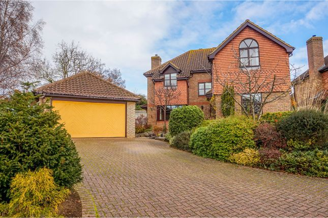 5 bed detached house for sale in Berberry Drive, Flitton
