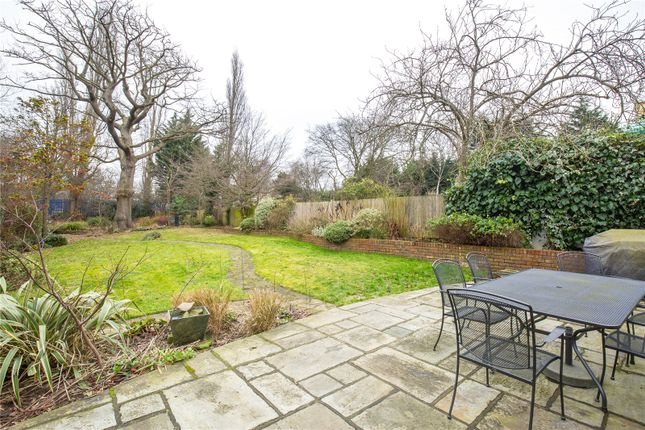 Thumbnail Detached house for sale in Creighton Avenue, Muswell Hill, London