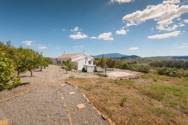 3 bed villa for sale in Spain, Málaga, Coín