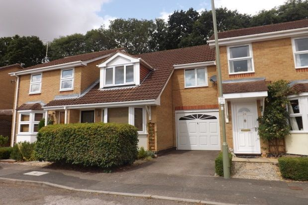 Thumbnail Property to rent in Sheppard Close, Waterlooville